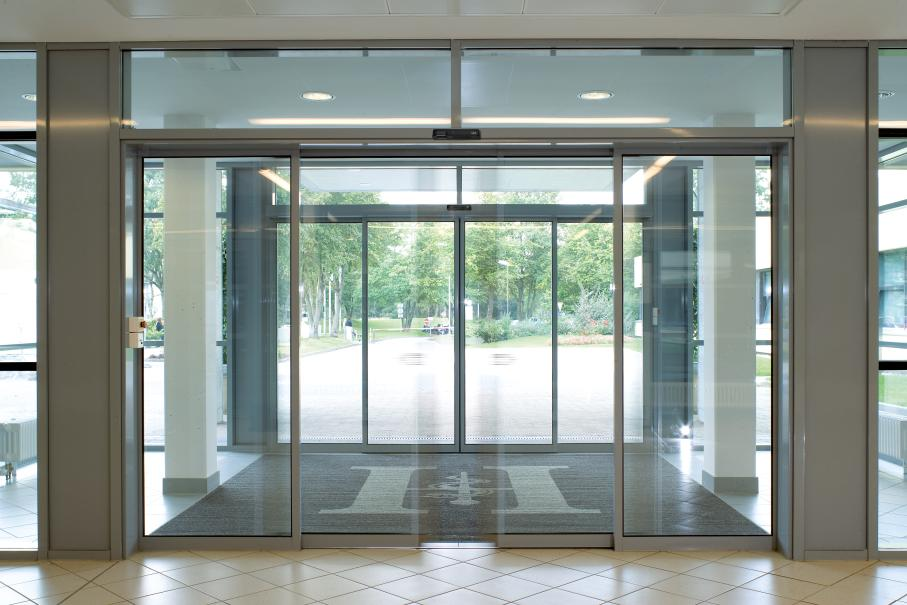 Automatic entry doors